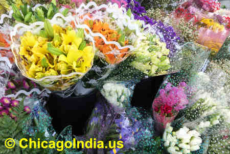 Flowers for Hindu Weddings and Ceremonies image © ChicagoIndia.us